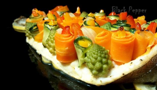 Рыба с овощами и со специями с лимоном