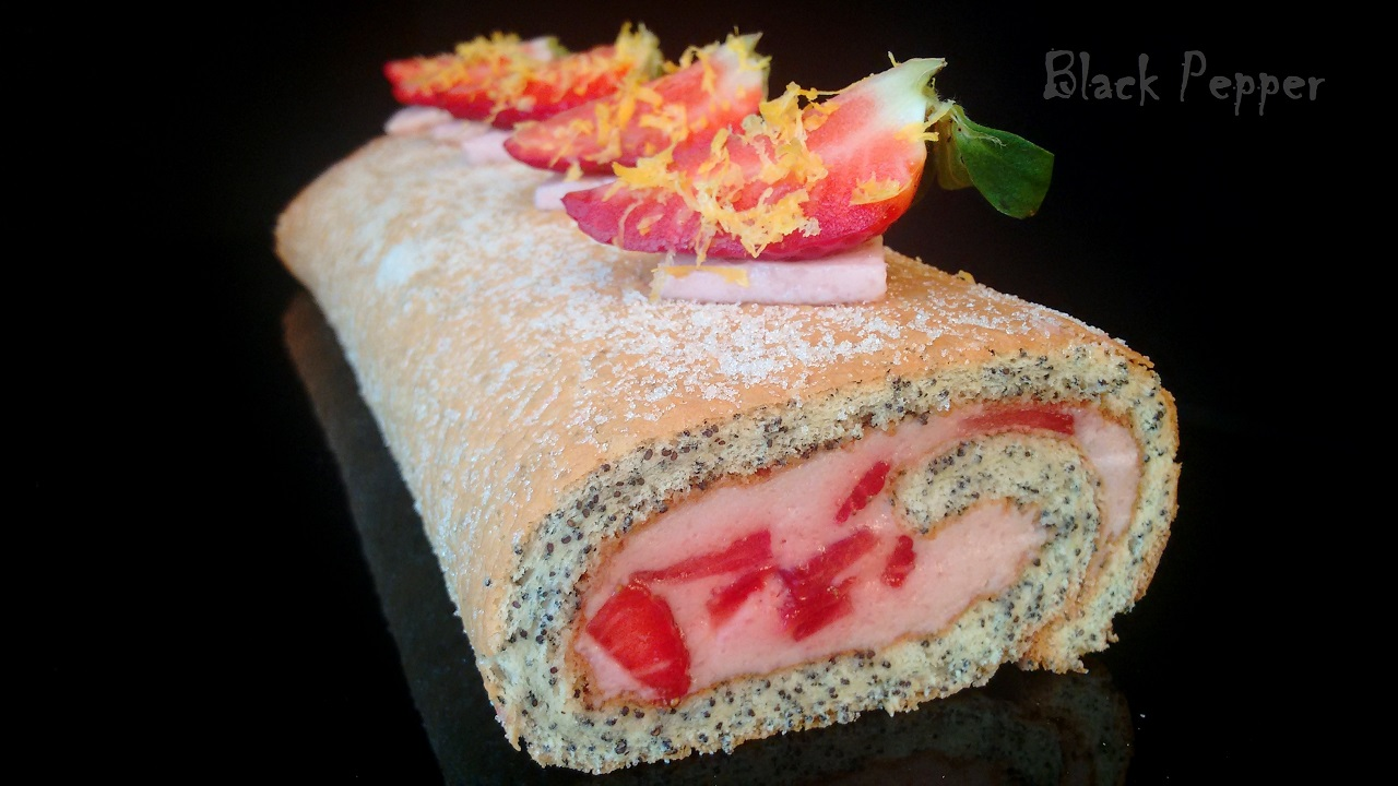 Cream Roll with Strawberry & Champagne
