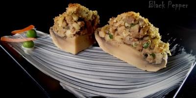 Фаршированные грибы с сыром