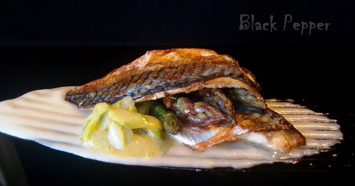 Fried mackerel with eggless apple mayonnaise and stewed asparagus