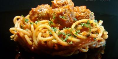 Спагетти с фрикадельками по-итальянски