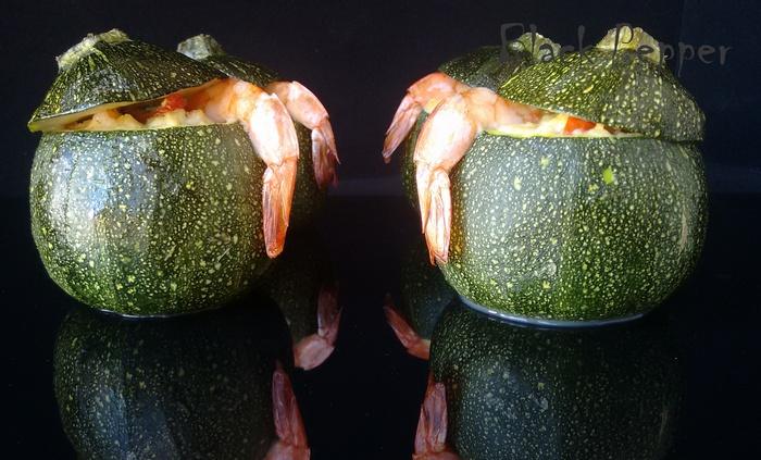 Кабачки с креветками и сыром