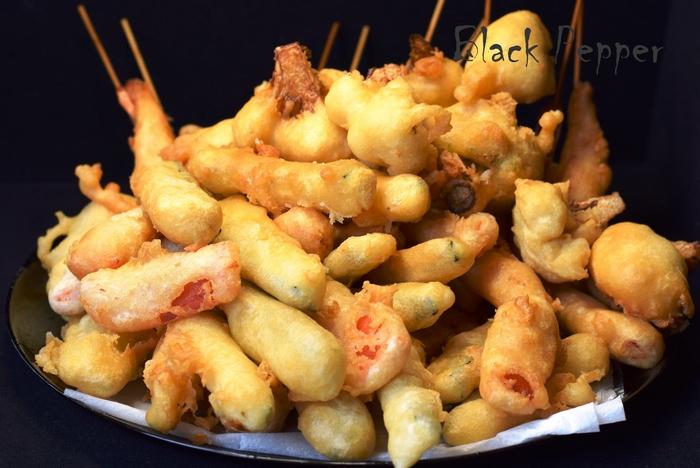 Темпура - креветки и овощи в кляре