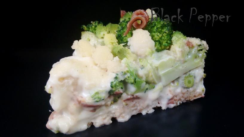 Заливной пирог с цветной капустой, брокколи и анчоусами