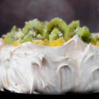 Торт Павлова с лимонным курдом и киви