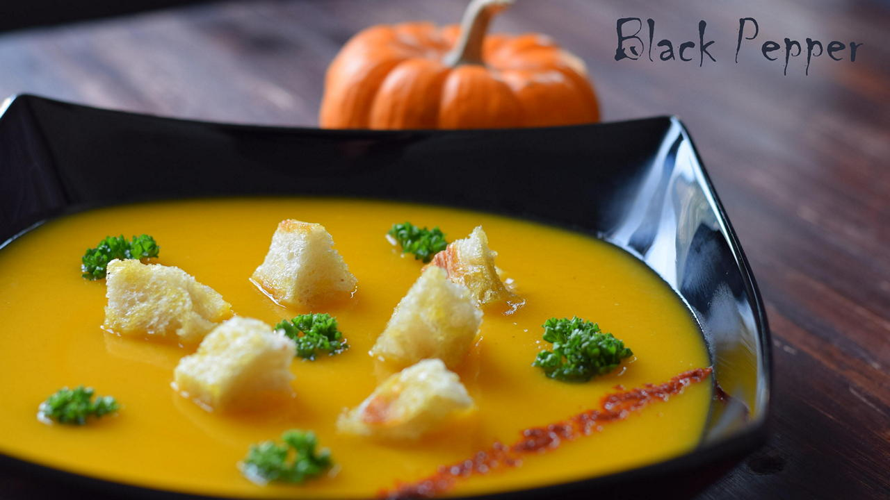 Pumpkin Soup with Cinnamon