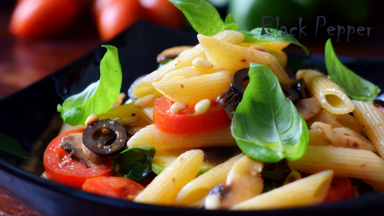 Pasta Salad with Tomatoes, Mushrooms, and Zucchini