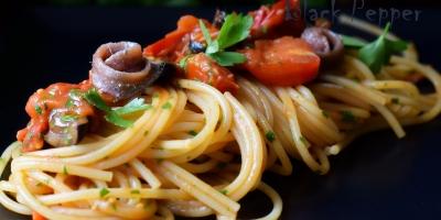 Спагетти путанеска с анчоусами и помидорами