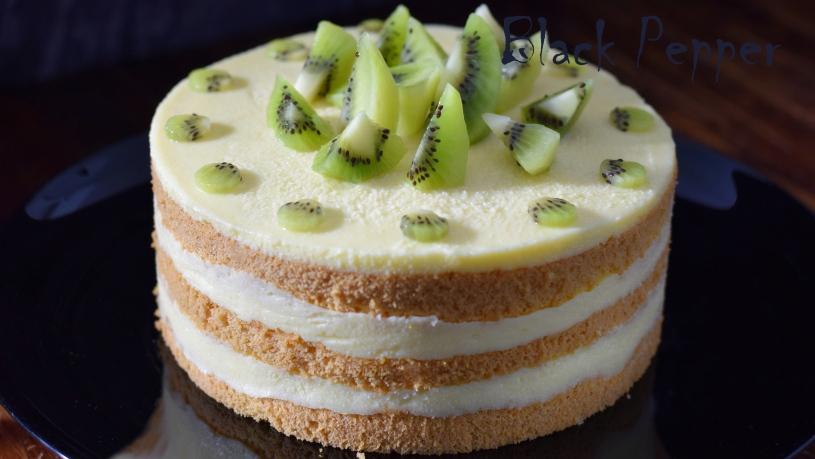 торт со сметанным кремом, имбирем и киви